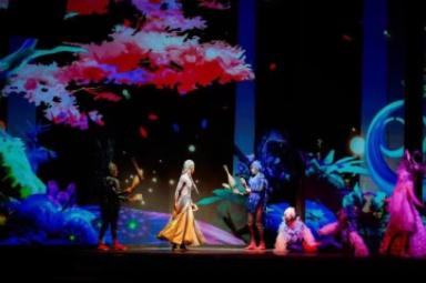 新版舞台剧《金面王朝》在北京欢乐谷试演